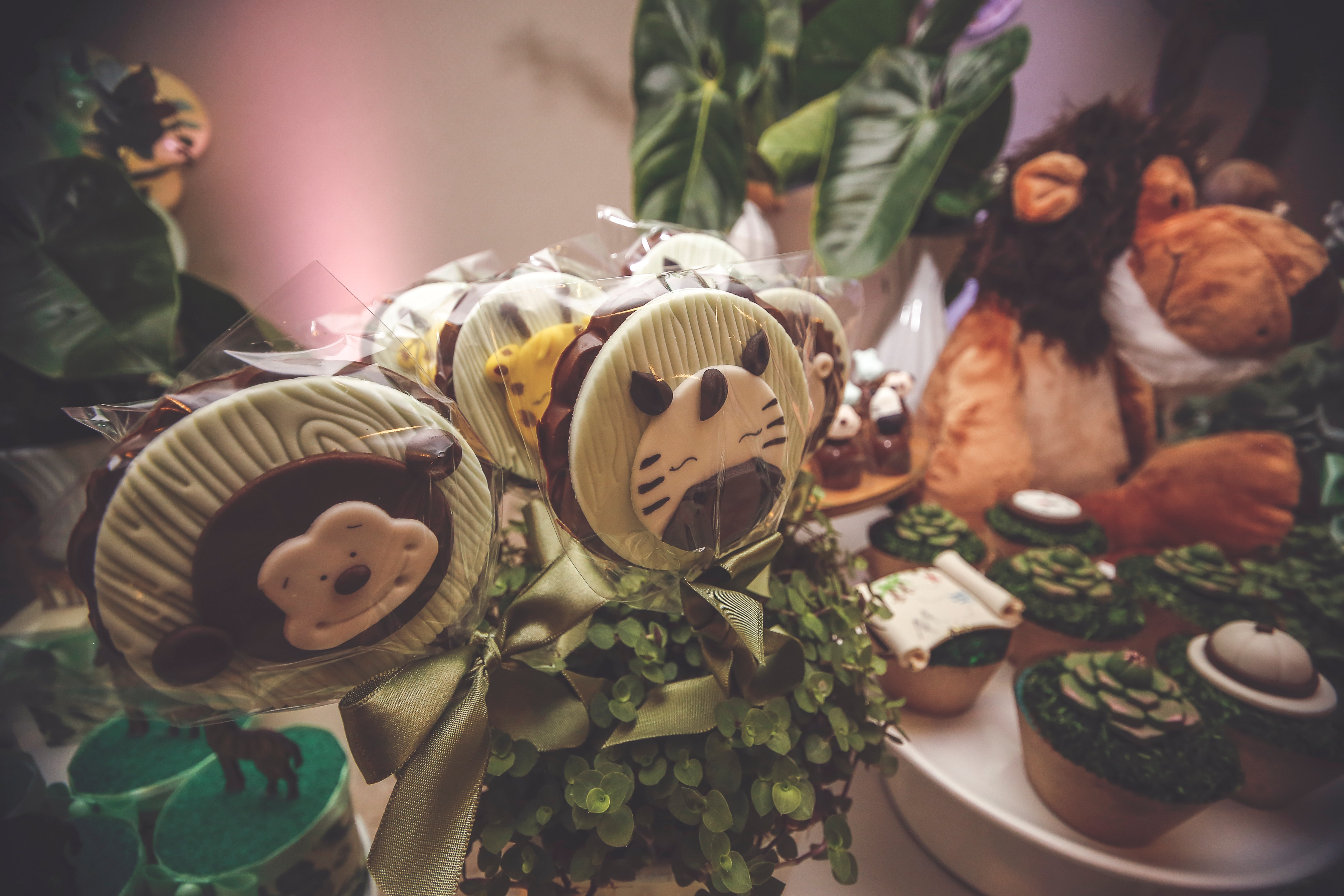 animals-and-jungle-theme-party-2337858